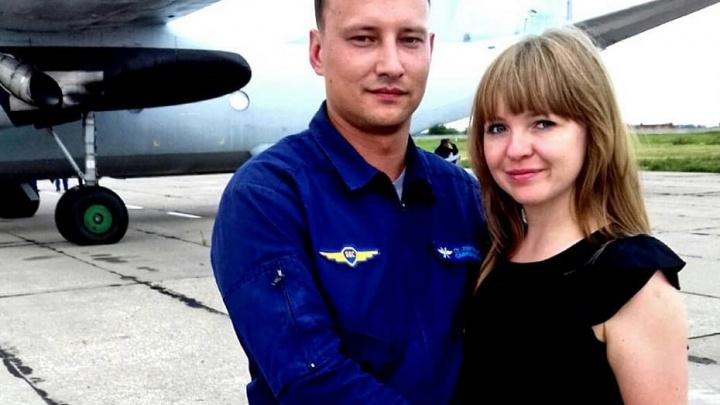 «Был уверен, что вернётся»: в Новосибирске простятся с лётчиком Ан-26, разбившегося в Сирии
