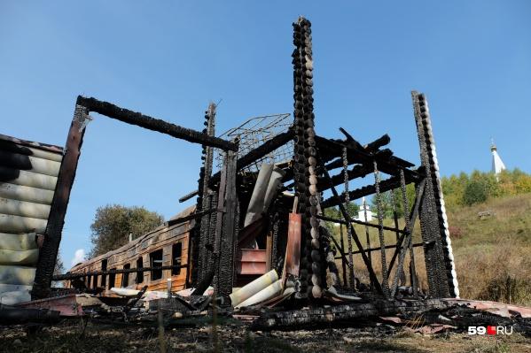 Деревянная постройка сгорела в считаные минуты