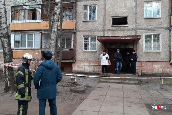 В воскресенье в пострадавшем от взрыва газа доме работала комиссия. В понедельник пройдет еще одно обследование