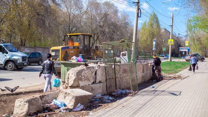 Грязные дела: в Самарской области УК наказали на 600 тысяч рублей за мусор во дворах
