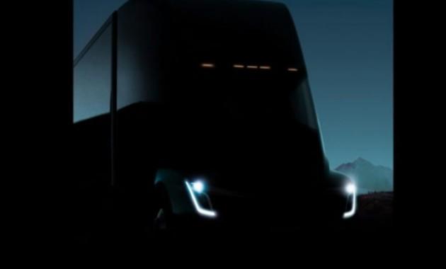 Tesla показала грузовик на электротяге