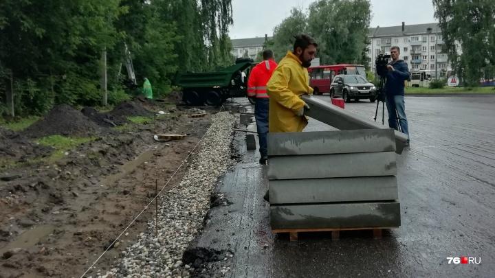«Невозможно работать»: дорожники пожаловались на приставучих общественников, следящих за ремонтом