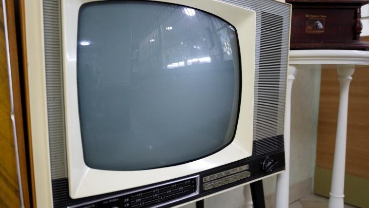В Михайловке на ребенка упал телевизор