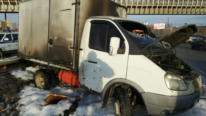 Появилось видео аварии на Объездной, после которой сгорели «Газель» и иномарка