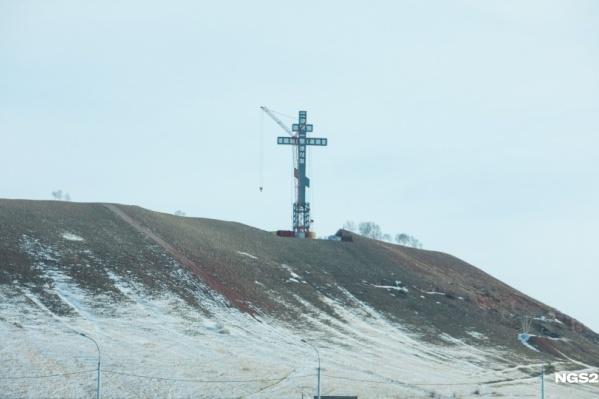 Поклонный крест под Красноярском стал самым высоким в России