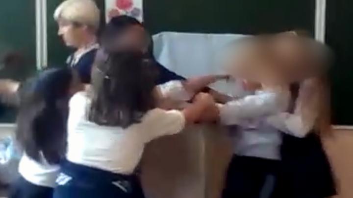 В Башкирии две школьницы подрались на уроке