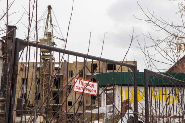 Новосибирская область активно достраивает проблемные дома, но всё равно остаётся в лидерах по их числу