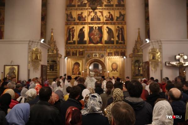 Успенский собор был полон народу
