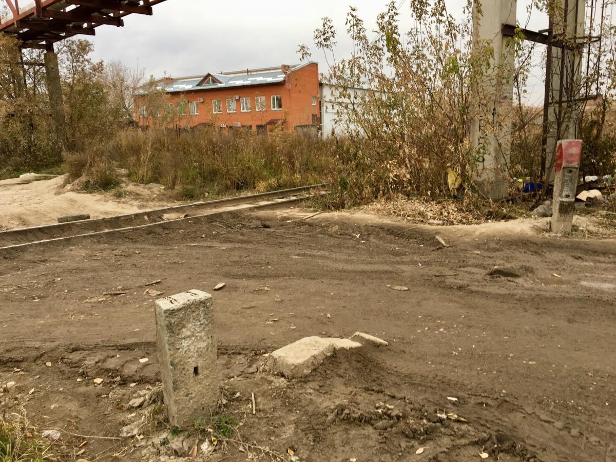 Раньше в этом месте стояли заградительные столбы