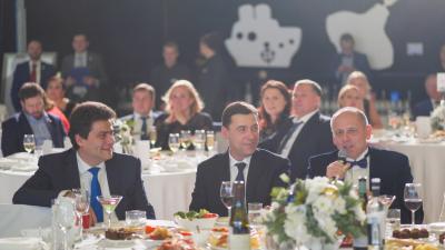 «Олигархи наши, а деньги в Москву»: глава благотворительного фонда про «Екатерининскую ассамблею»