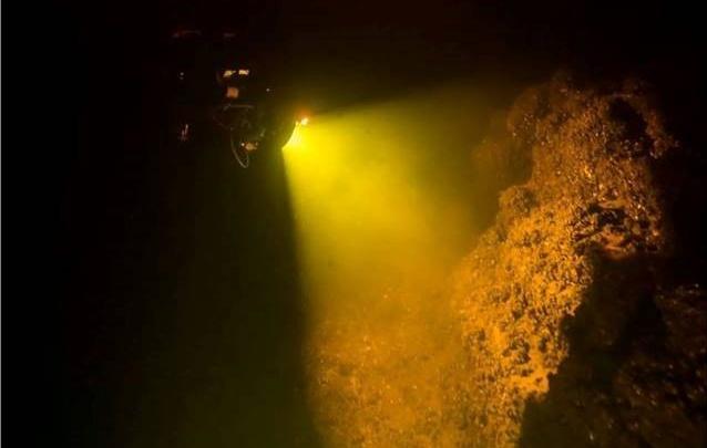 Ищут каменных львов: аквалангисты спустились к затопленному городу. Фоторепортаж