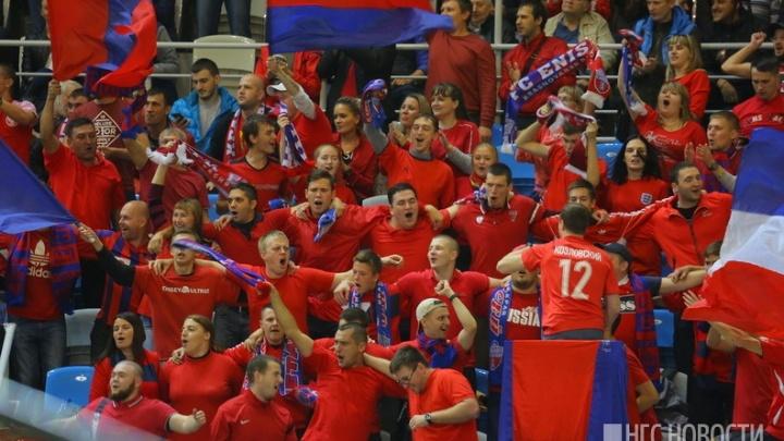 Футбольный «Енисей» смог обыграть дома «Крылья Советов» и прочно стал первым в турнире