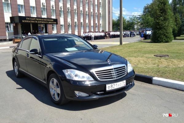 Недавно служебная машина губернатора попалась на нарушении правил дорожного движения