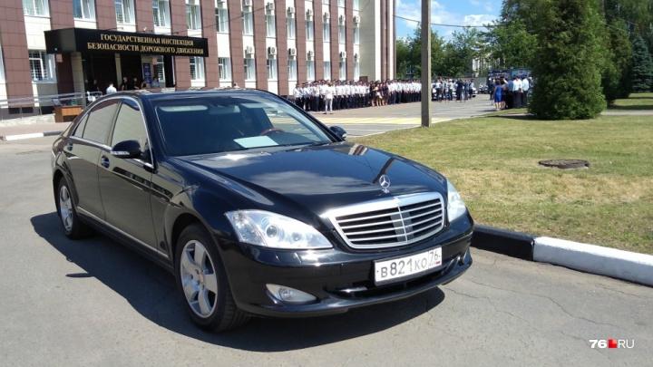 «Пришло штрафов на 80 тысяч»: как в Ярославской области машины чиновников нарушают ПДД