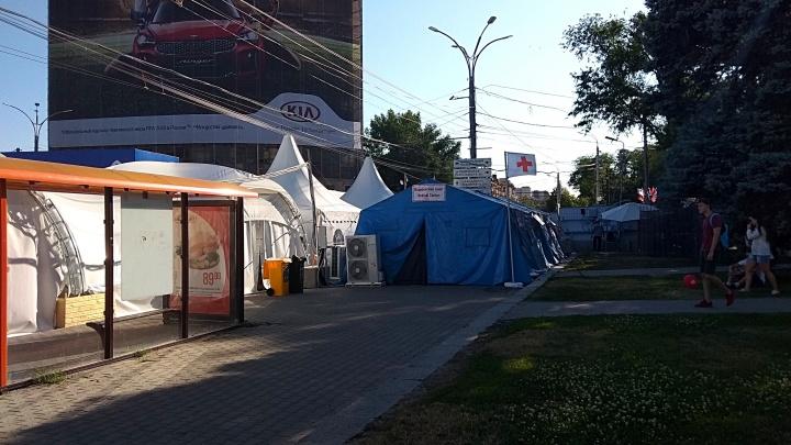 Ростовский таксист запросил с иностранцев за поездку по городу 12 тысяч рублей