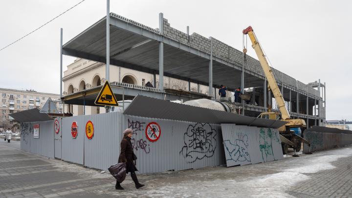 В Волгограде фирмы главы гордумы строят сомнительный фуд-корт и получают госконтракты облздрава