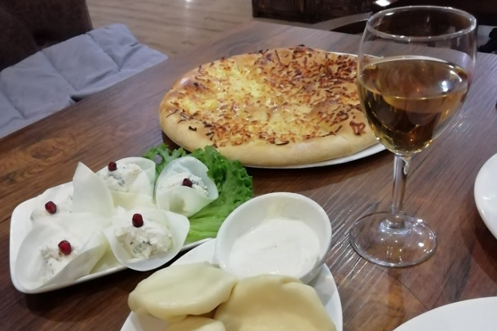 Якову особенно понравилась грузинская еда, он готов говорить о ней часами