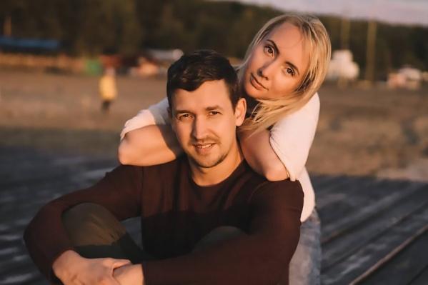 Наташа и Антон Гундорины начали свой бизнес 6 лет назад, вложив в него свадебные деньги
