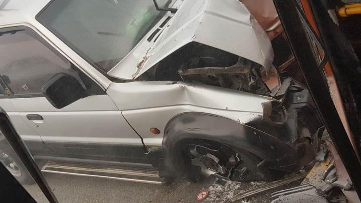 Под Норильском массовая авария: автобус и 4 легковушки