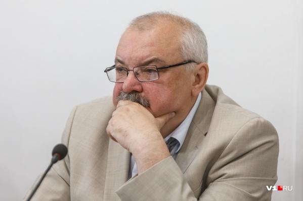 Директор академии Игорь Тюменцев взаимопонимания со студентами не нашёл