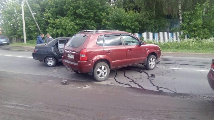 Роковой поворот: в Рыбинске две машины столкнулись там же, где похожее ДТП случилось год назад