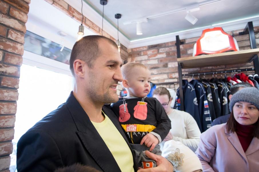 В минувшие выходные Сергей Ковалёв открыл свой магазин в Челябинске
