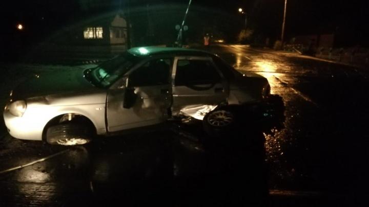 В Кургане пьяный водитель угодил в аварию и напал на сотрудника ГИБДД, оформлявшего ДТП