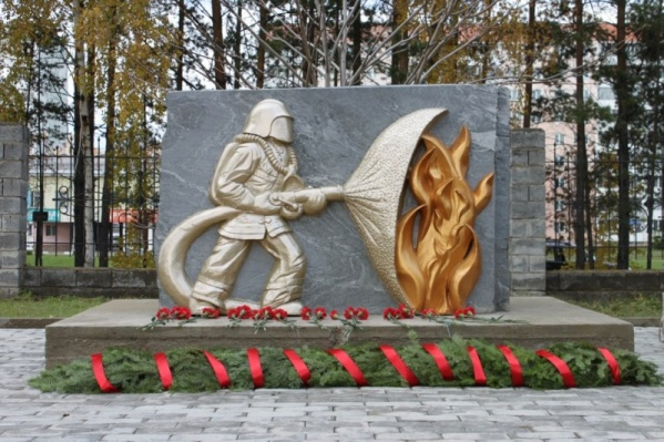 Эскиз для памятника создал ветеран пожарной охраны