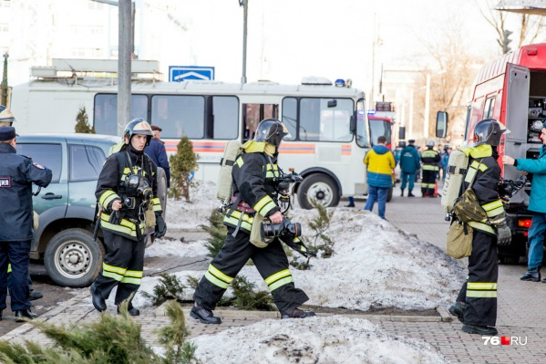 Спасатели постоянно отрабатывают навыки на учениях