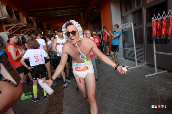 Андрей часто бегает марафоны, но в образе — впервые