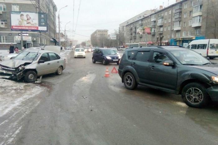 Водитель, которая была за рулёмMitsubishi, не пострадала