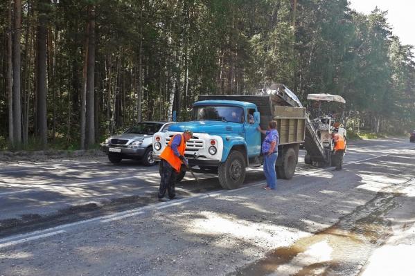 Дорогу на улице Балтийской рабочие починили на прошлой неделе — в мэрии уточнили, что этот ремонт был предварительным