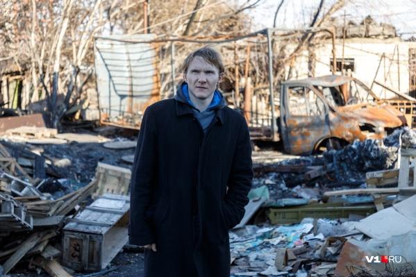Роману Себекину грозит снос его и так уже сгоревшего дома в поселке Тир