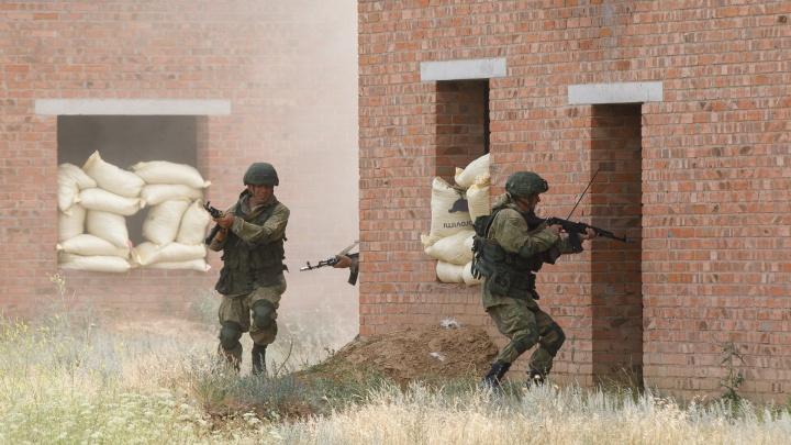 Военная полиция вместе с мотострелками ЮВО уничтожила диверсантов в Волгоградской области