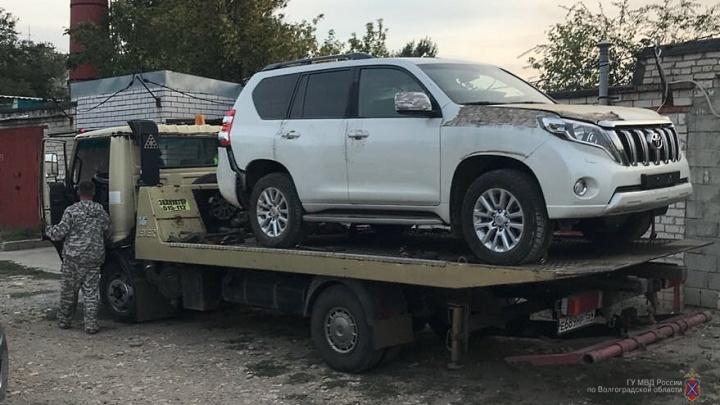 «Номера перебивали, машины продавали»: в Волжском будут судить угонщика премиальных внедорожников