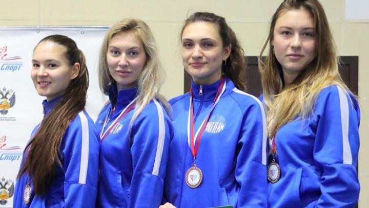 Самарские фехтовальщицы получили бронзовые медали на Кубке России в Сочи