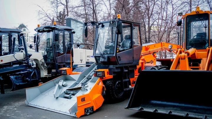 Снег не пройдет: городские службы приготовили к зиме пятьсот спецмашин и тепловое копьё