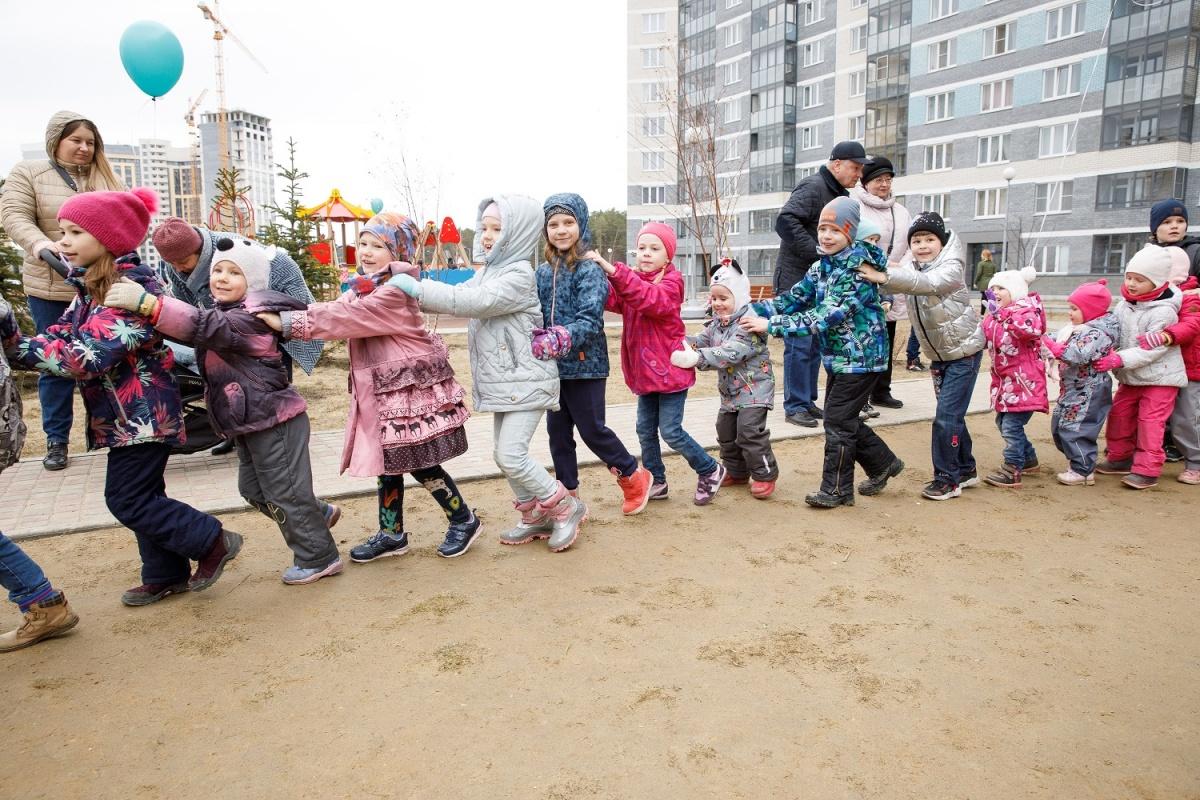 Дети участвовали в соревнованиях и получали заслуженные призы