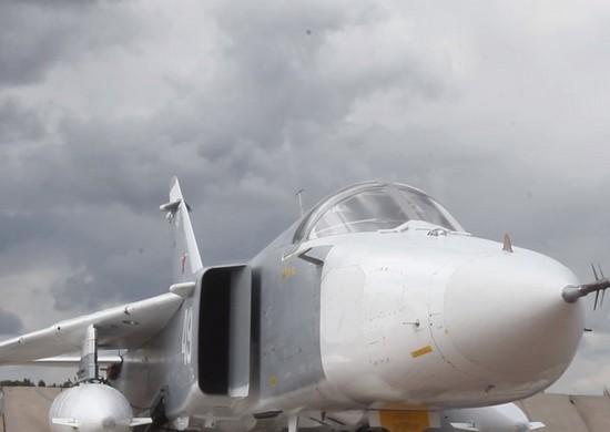 ФронтовыеСу-24М тренировались под Курганом в бомбовых ударах по противнику