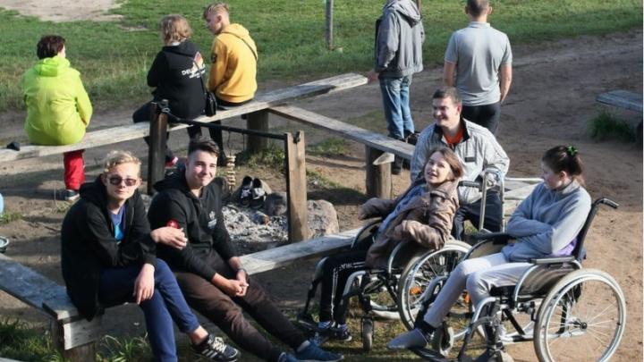 Миссия — выехать из дома: в Кенозерье вновь пройдёт инклюзивный лагерь «Друзья для друзей»