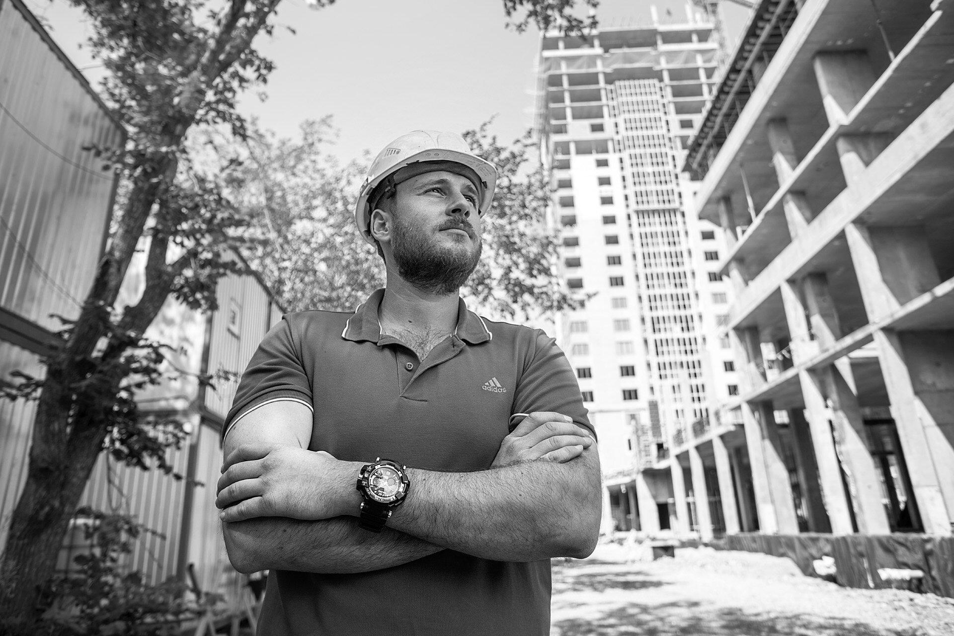Евгений, 28 лет, прораб компании «Легион» на стройке ЖК «Башни свободы»