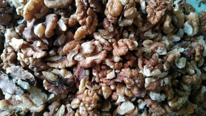 В Зауралье задержали тонну грецких орехов: на упаковке не было маркировки