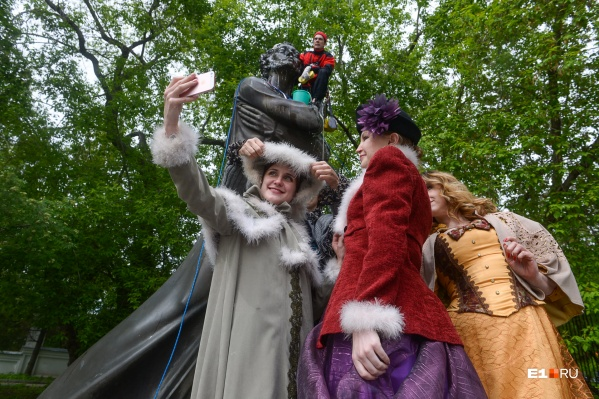 Роли дворянок примерили сотрудницы музеев Литературного квартала