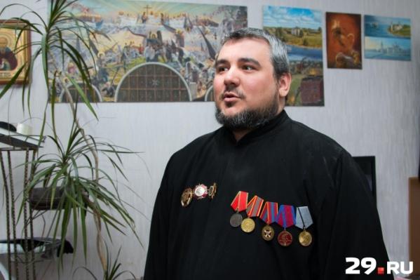 Николай Ткачук прошел путь от войны в Чечне до настоятеля Храма Вознесения Господня на острове Андрианов