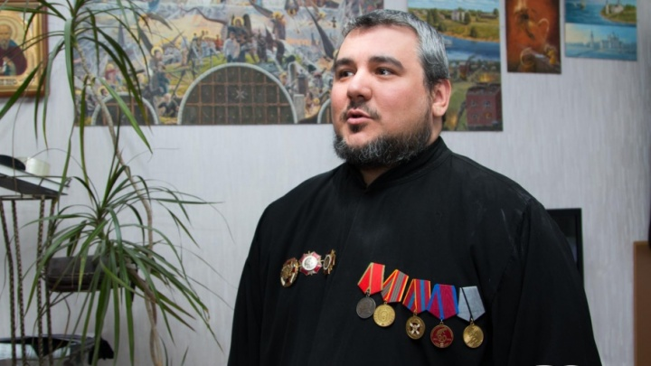 «Войну я осмыслил с отцом в гараже»: как архангелогородец прошел путь от Чечни до настоятеля храма