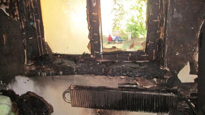 Следователи назвали предварительную причину пожара в Ишимбае, где погиб отец и двухлетний сын