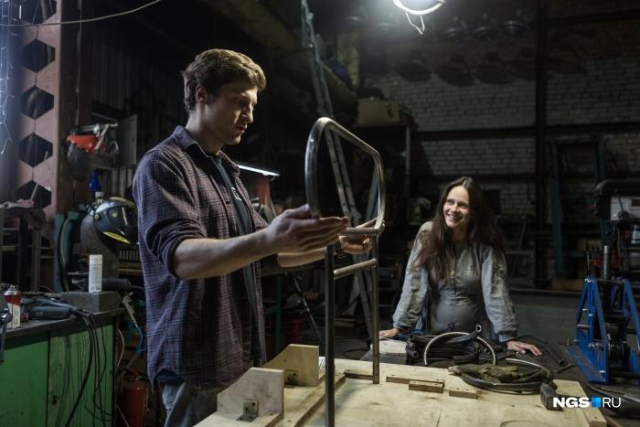 Маргарита Морева и Кирилл Ульяницкий в своей мастерской