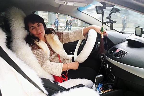 В салоне «Ниссана» нашли Кимотхон Раззакову, которая работала таксисткой