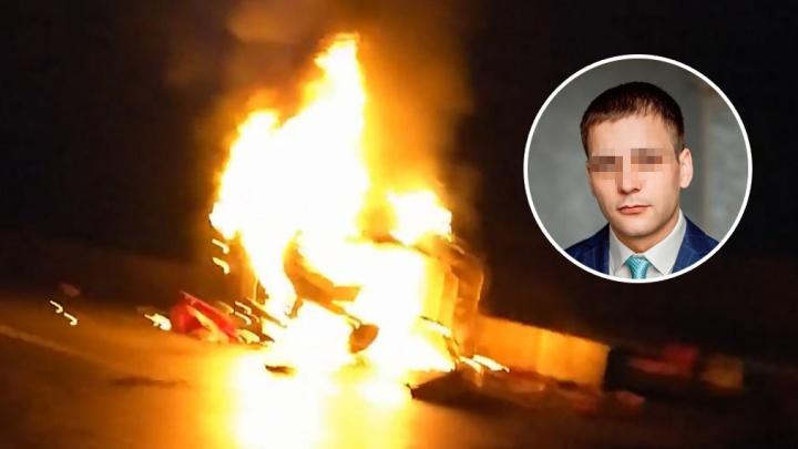 Виноваты ли дорожники в ДТП на Ялуторовском тракте, где машина влетела в бетонные блоки и вспыхнула