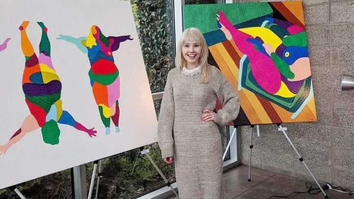 «Хочу, чтобы меня признали в России»: маркетолог из Тюмени стала известной калифорнийской художницей